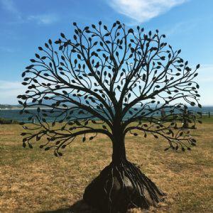 Richard Moffatt�s prize winning �The Giving Tree�.