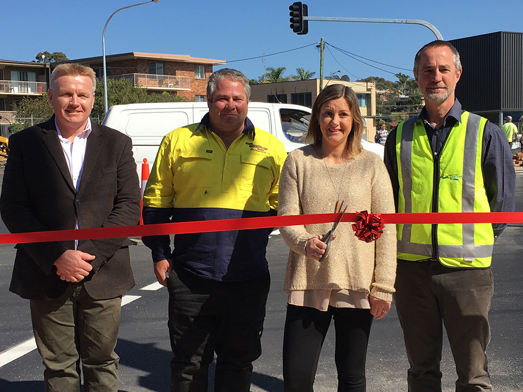 Terry Dodds (Director Transport and Utilities), Bill Michelin (John Michelin & Son Pty Ltd), Cr Kristy McBain (Bega Valley Shire Council Mayor) and David Buckley (Project Engineer) at the official opening of the Merimbula CBD Bypass.