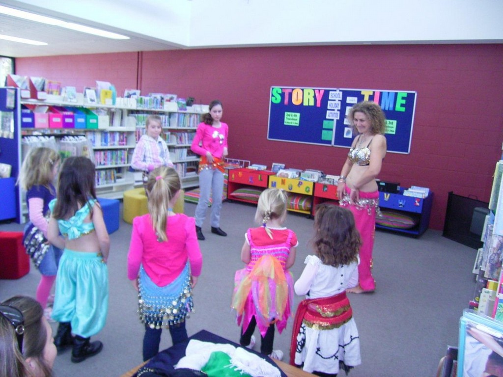 Image of story time at the Bega library.