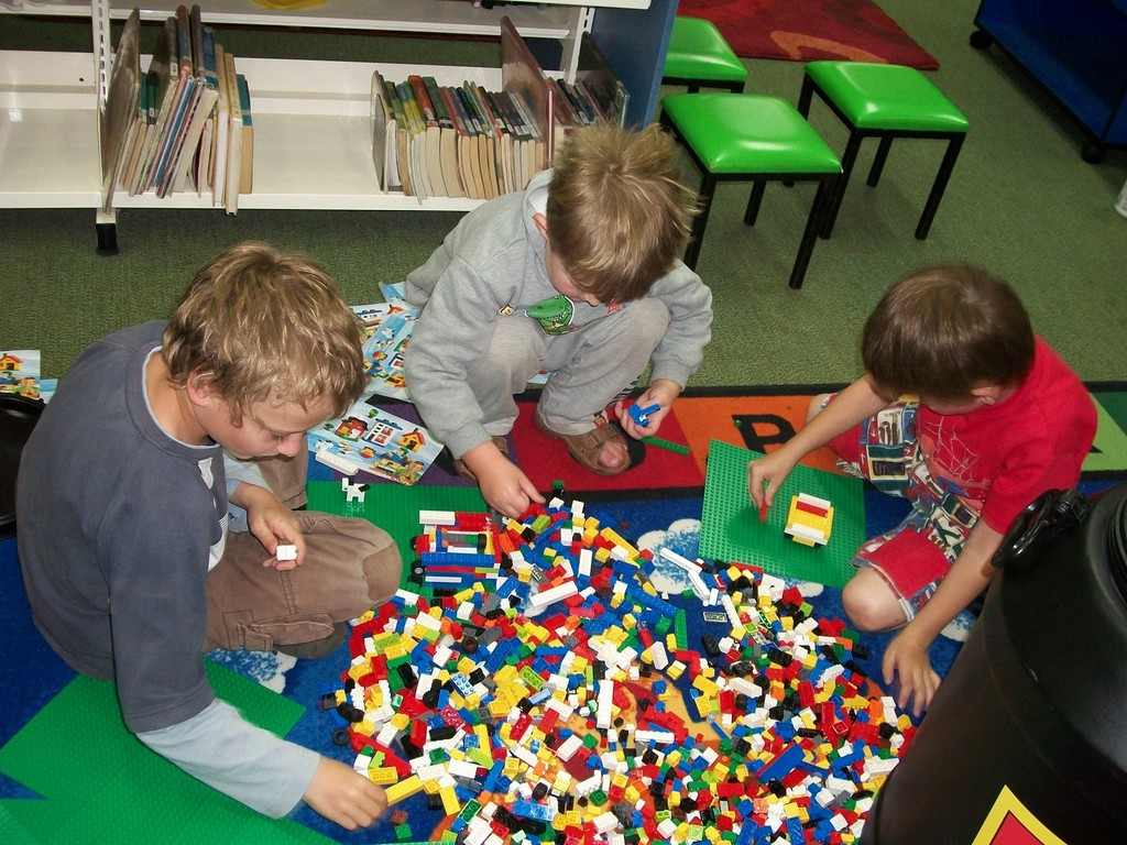 Image of kids playing with lego.